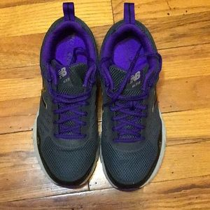 Women's Size 10 Wide New Balance Sneakers
